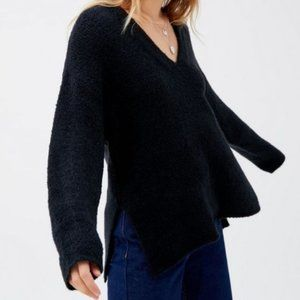 Urban Outfitters Rosie V-Neck Pullover Sweater M